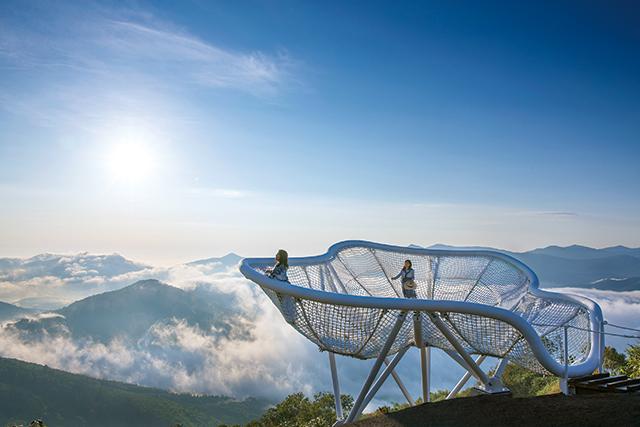 北海道の大自然を満喫できる滞在型リゾート「星野リゾート トマム」