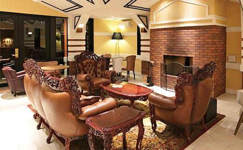 ホテル ザ・パヴォーネCLUB ROOMグランプBBQパーク 豪華なリビング