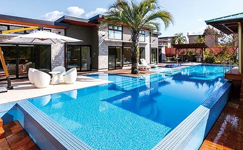 ホテル ザ・パヴォーネCLUB ROOMグランプBBQパーク プライベートプール