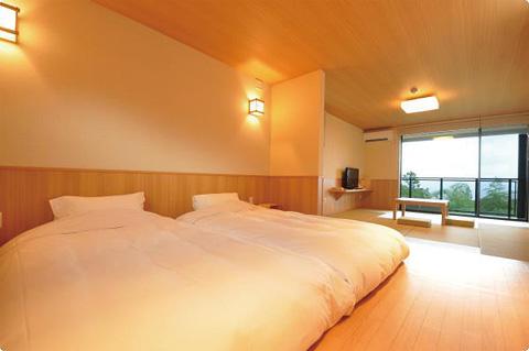 ロータイプのベッド