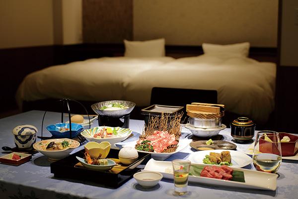 食事は、明治創業の老舗料亭旅館 浜湖月」の会席料理。
