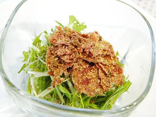 すりおろしソーセージと水菜のゴマ風味サラダ