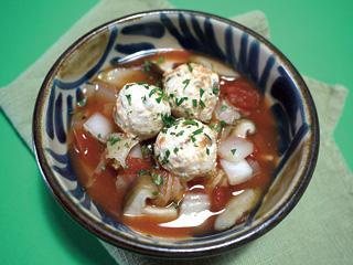 鶏団子のトマトごぼうスープ