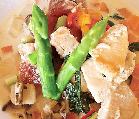 気軽に作る夏バテ予防 彩野菜のスープごはん