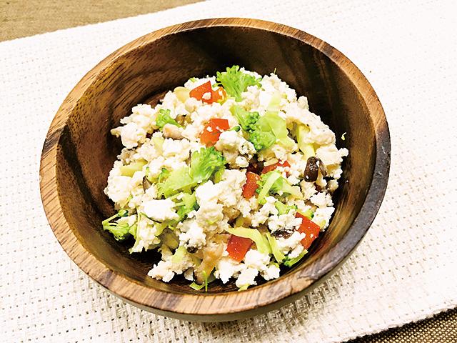 鶏ひき肉と野菜の白和え